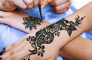 Making of Henna Tattpp