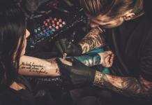 Piercing Tattoo Studio Hygiene Gefahr Entzündung