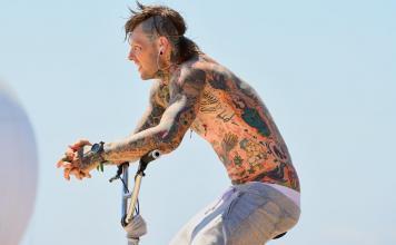 Punk Piercing Geschichte Mann Körper Tattoo