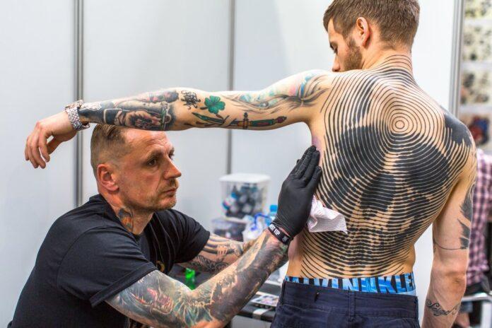 Tattoo Convention Motiv Totenkopf Art Kunst