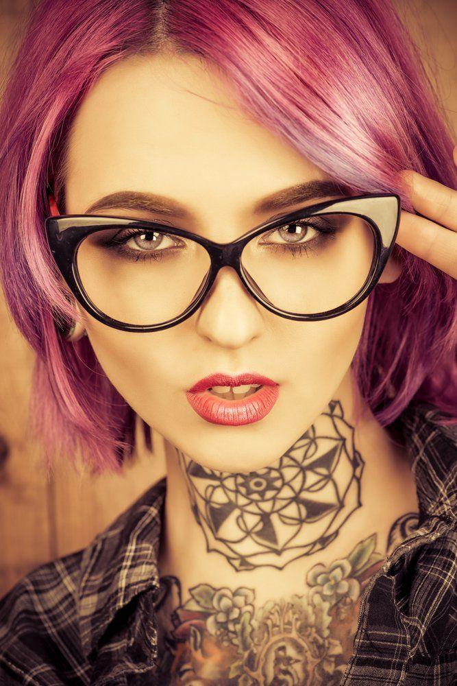 Tattoo Piercing Entscheidung Arten Hals