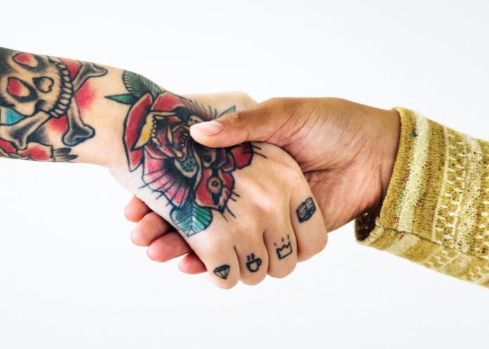 Tattoo Handgelenk - Motiv Rose