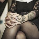 Tattoo Handgelenk - Motiv Uhr Wecker